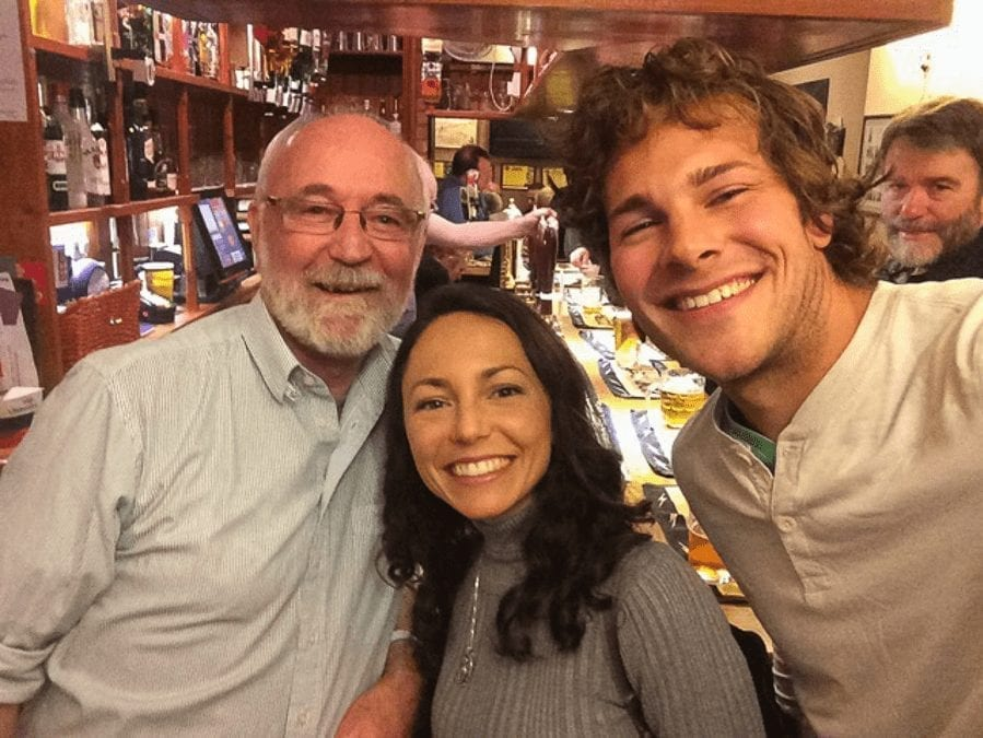 the american couple with another man in a pub in UK